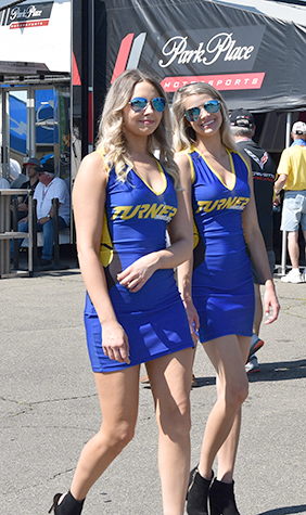turner racing umbrella girls,  sahlen's  six hours of the glen 2018